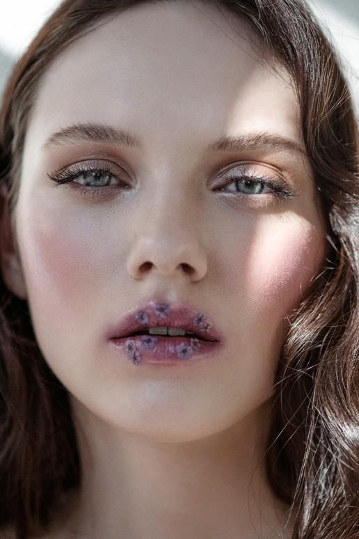 Beauty Editorial - Isabel K. c/o M4Models shot by Sebastian Brüll for Factice Magazine