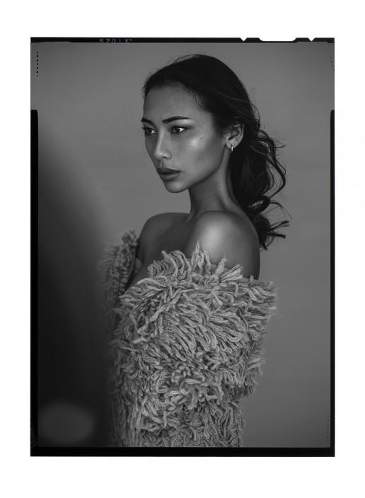 Beauty Sandra Romero shot by Sebastian Brüll / Pure, Nude, Portrait
