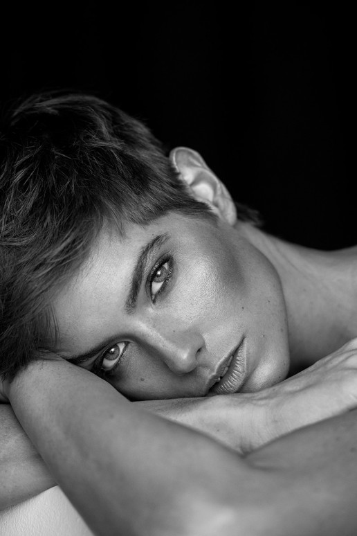 Juliana photographed by Sebastian Brüll